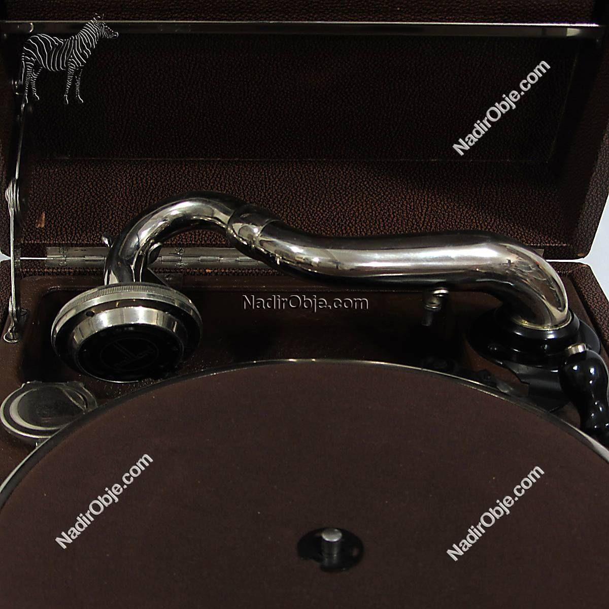 Paillard Marka Gramafon Mekanik-Elektrikli Objeler Gramafon