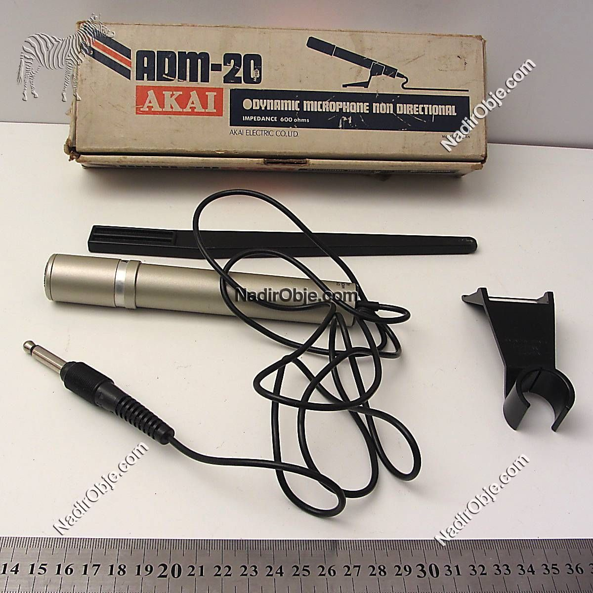 Akai Dinamik Mikrofon Mekanik-Elektrikli Objeler Akai