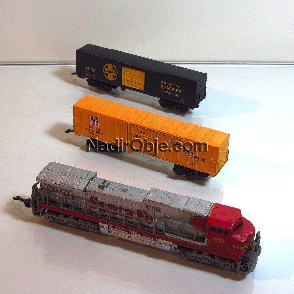 Maket Tren Mekanik-Elektrikli Objeler Lokomotif