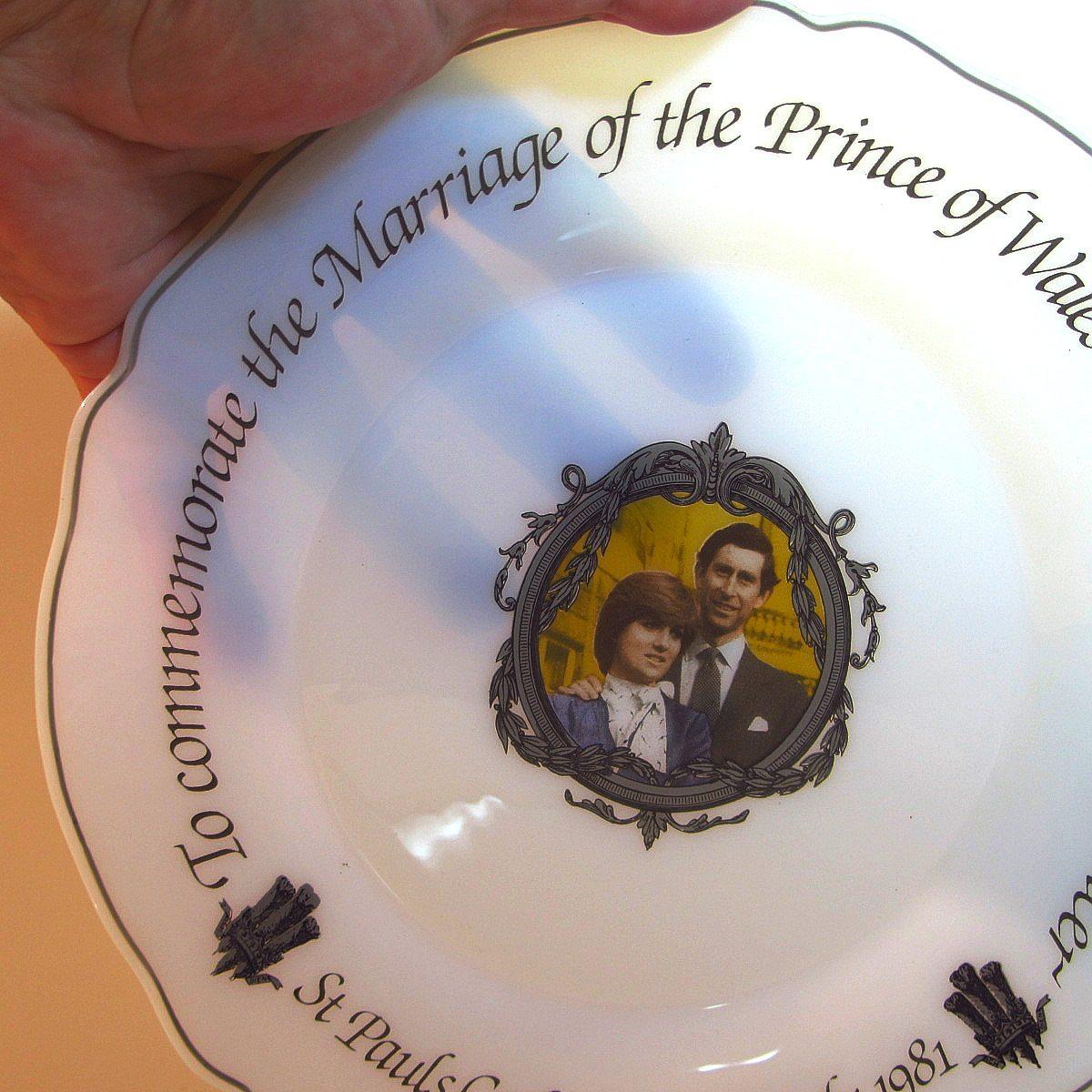 Prenses Diana & Prens Charles Düğün Hatırası Tabak Cam-Taş Objeler Arcopal