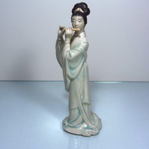 Flüt Çalan Kız Seramik-Porselen Objeler Figür