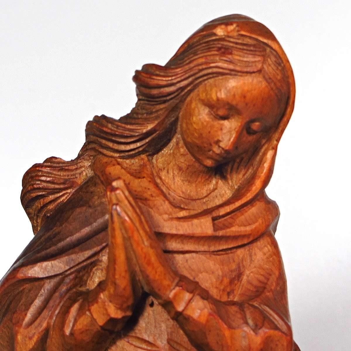 Meryem Heykeli Ahşap Objeler Ahşap