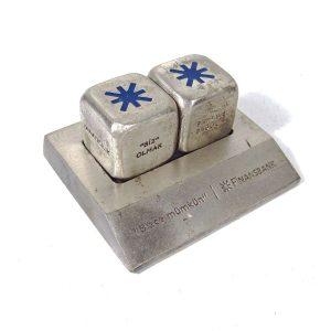 Masaüstü Dekor Zarları Metal Objeler Banka