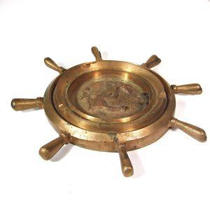 Çapalı Dümen Formunda Küllük Metal Objeler Çapa