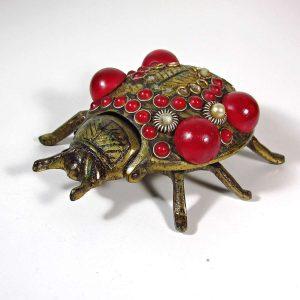 Uğur Böceği Küllük Metal Objeler Kül Tabağı